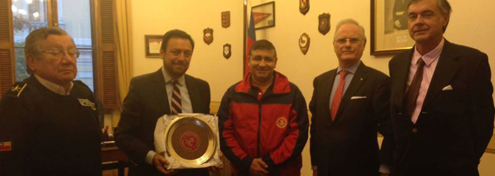 Daniel Iglesias se reunió con autoridades del Cuerpo de Bomberos de Santiago de Chile