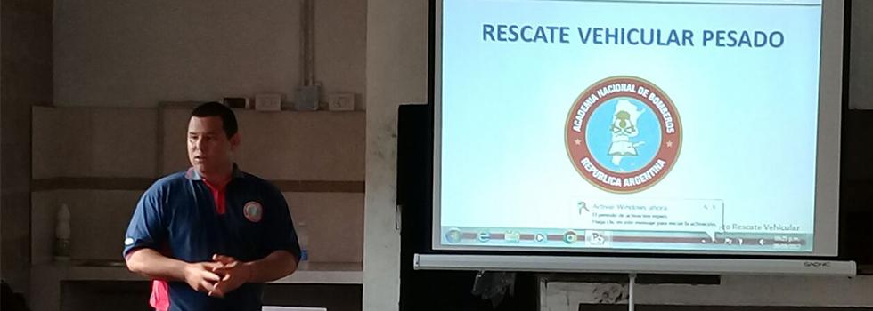 Bomberos voluntarios de Corrientes se capacitaron en Rescate Vehicular