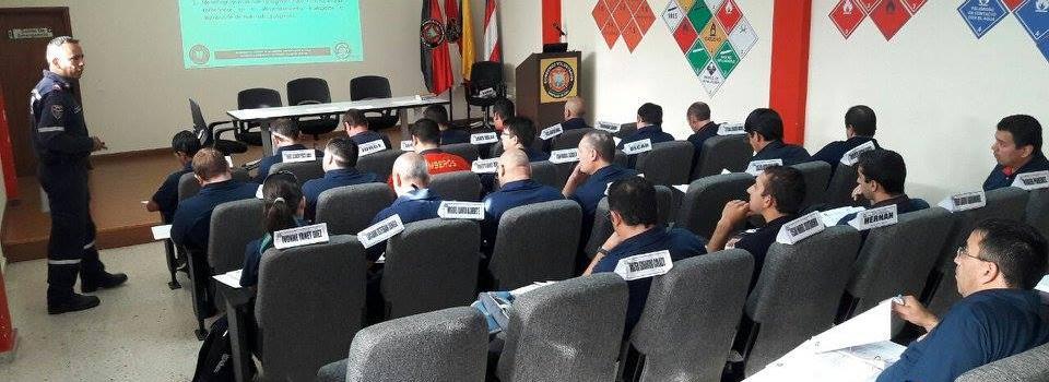 Bomberos Argentinos se capacitan en Colombia