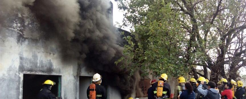 Los bomberos voluntarios de San Luis se capacitaron en Incendios Estructurales