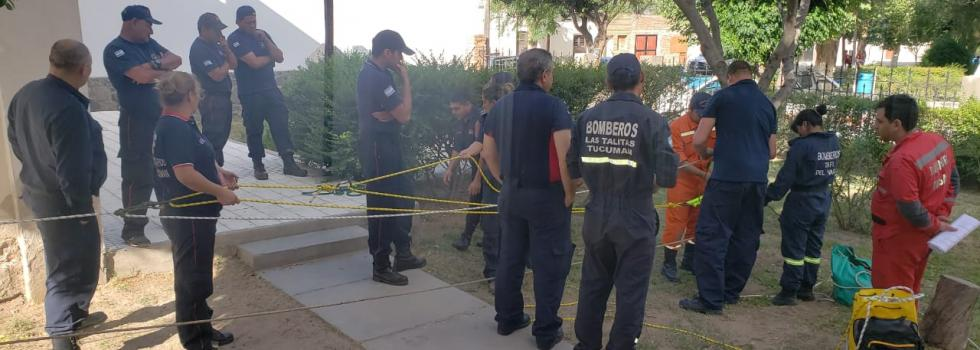 Bomberos de la Federación 3 de Junio se capacitaron en Rescate con Cuerdas