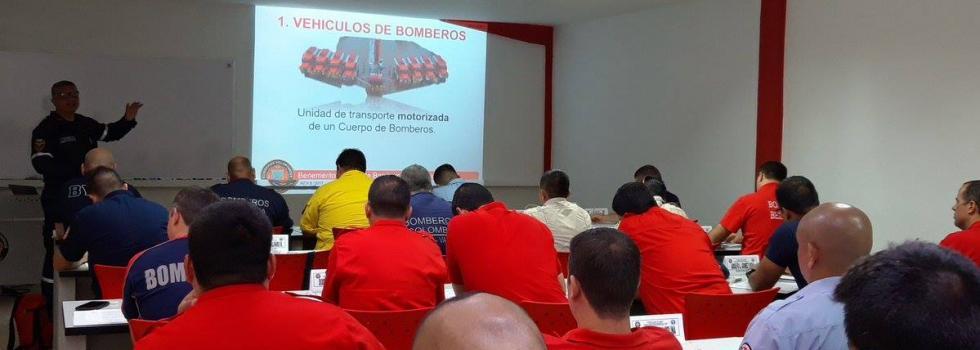 Representantes de la ANB realizaron el curso de Operadores de Máquinas de Bomberos en Colombia