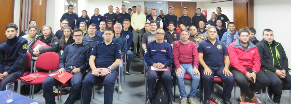 Howard Hill (FDNY) brindó una disertación exclusiva para bomberos voluntarios de Argentina